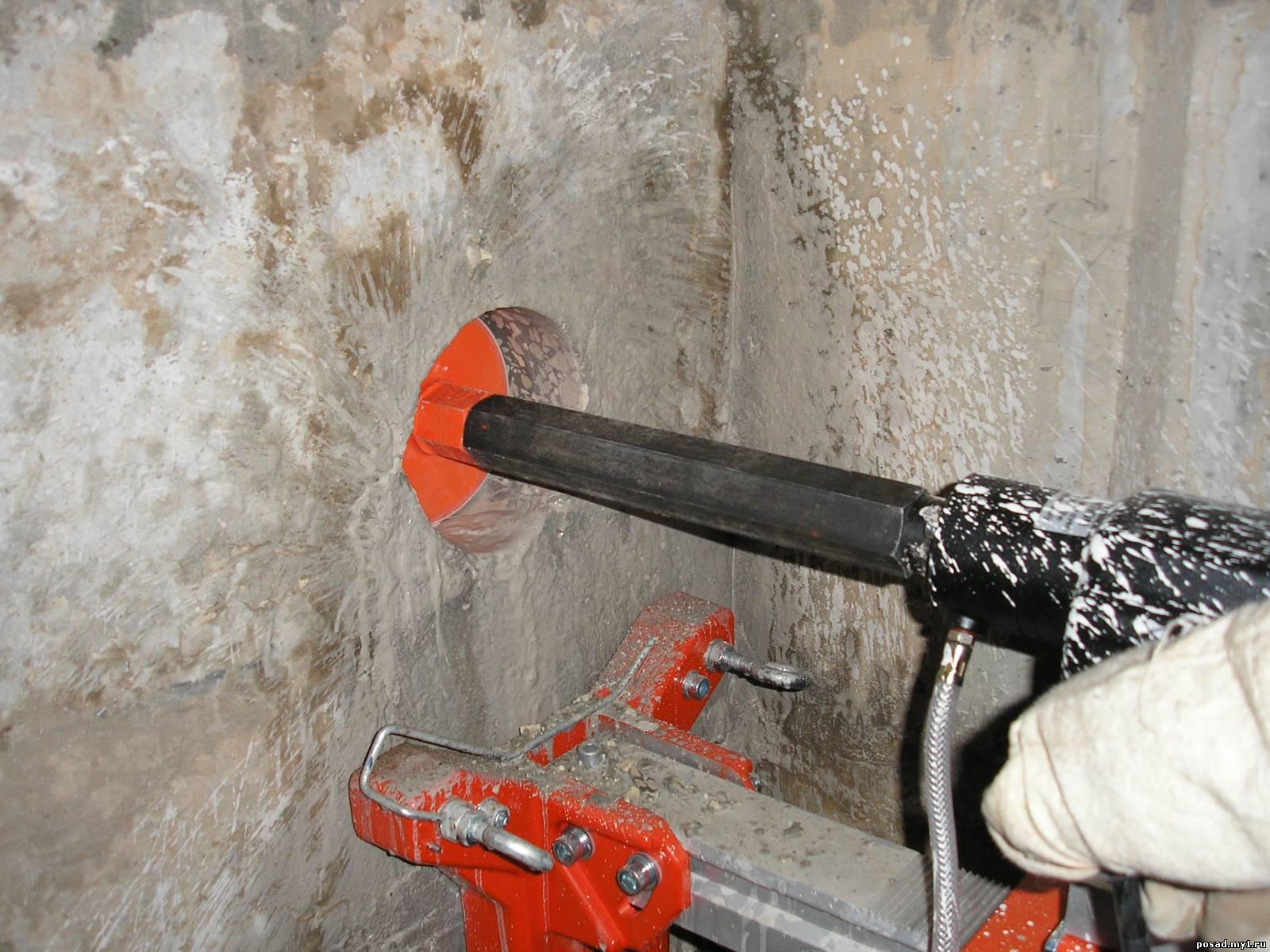Как сделать в стене отверстие большого диаметра